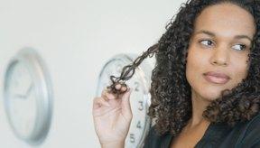 Los peines de dientes anchos hacen que el cabello se quiebre menos.