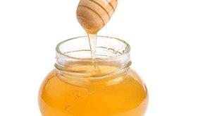 La miel es una fuente natural de azúcar.