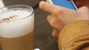 El consumo excesivo de cafeína aumenta el riesgo de la baja densidad ósea.