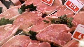 Un corte grueso y tierno de cerdo es necesario para mantener el cerdo jugoso y tierno mientas se cocina a la parrilla.