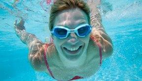 Nadar es un ejercicio grandioso y ayuda a reafirmar tus senos.