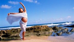 Con modificaciones, las mujeres embarazadas pueden continuar con sus clases de zumba.