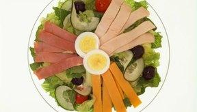 Las carnes magras, queso y los huevos son una excelente fuente de proteína.
