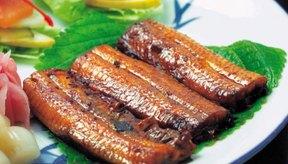 La carne roja otorga hierro, que ayuda a la médula ósea en la producción de glóbulos rojos.
