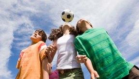 Los preadolescentes y adolescentes necesitan por lo menos 60 minutos de actividad física al día.
