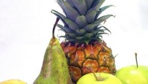El ácido cítrico se produce de manera natural en muchos alimentos.