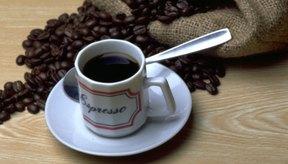 El café puede estimular al metabolismo pero no garantiza la pérdida de peso.