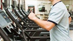 Caminar a paso rápido en la corredora ayuda a evitar subir de peso durante la fase de aumento muscular.