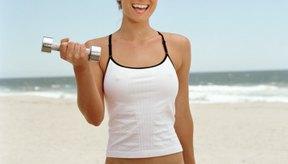Las mancuernas te dan muchas opciones de ejercicios.
