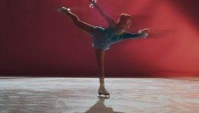 El patinaje artístico requiere de fuerza muscular para mantener poses y posiciones.
