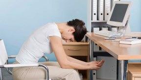 Hacer ejercicio durante la jornada de trabajo puede fortalecer tus abdominales de manera sorprendente.