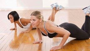 Los ejercicios de calistenia que soportan el peso corporal ayudan a construir masa muscular y a quemar calorías.