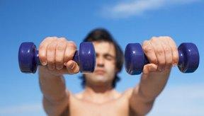 La elevaciones frontales activan los músculos de los hombros.