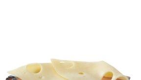 El jamón y queso son una combinación clásica para sandwich.