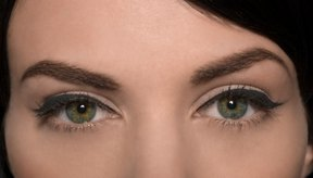 La hinchazón debajo de los ojos pueden ser estéticamente desagradables para algunas personas.