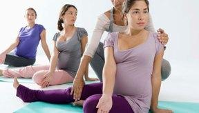 El ejercitarte mientras estas embarazada puede aliviar el dolor múscular.