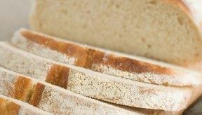 El moho del pan crece más rápidamente en el pan rancio seco.