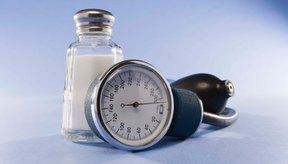 Los niveles de sodio de la sal marina y de la de mesa han sido puestos en cuestionamiento en los últimos años.