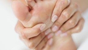 Hazte masajes con un especialista para que tus pies estén relajados.