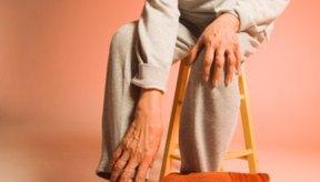 La neuropatía periférica puede causar dolor en los pies y las manos.