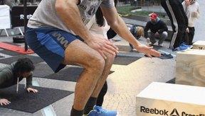 El entrenamiento pliométrico mejora tus reflejos y poder de todo el cuerpo.