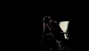 El estrés puede causar pérdida de peso, dolores de cabeza y otros síntomas.