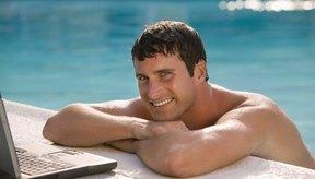 La natación es un ejercicio cardiovascular de bajo impacto.