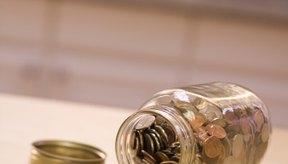 Recoger monedas es un ejercicio sencillo de motricidad fina para las manos.