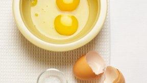 Al agregar huevos directamente en el licuado puedes poner en riesgo tu salud.
