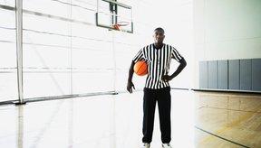 Los árbitros deben estar en buen estado físico y poder correr a la par de los jugadores y de la acción en el partido.