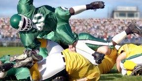 La NCAA hace cumplir una serie de requisitos para ser elegible para el fútbol americano universitario.