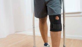 Usa una abrazadera para la rodilla y muletas durante la primera semana después después de la cirugía.