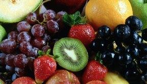 Agrega por lo menos tres porciones de frutas a tu dieta diaria.
