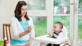 Puedes tomar la temperatura de tu bebé en el recto, el oído o la boca.