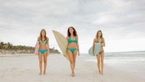 Afeitar la línea del bikini puede provocar granos en la parte interna del muslo.