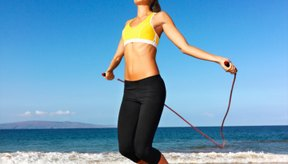 Saltar la cuerda es un ejercicio para el cuerpo completo