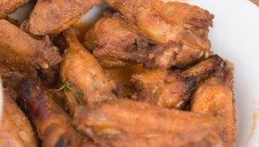 El microondas puede ayudarte a cocinar rápidamente las alitas de pollo.