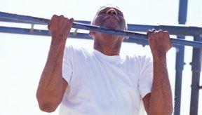 Las dominadas proveen entrenamientos intensos.