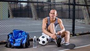 Estar hidratado ayuda a prevenir los calambres durante el deporte.
