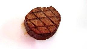 Un filete de carne es tan tierno que puedes cortarlo con un tenedor.