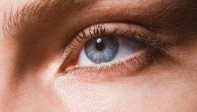 El color adecuado de lentes de contacto puede realzar tu cutis.