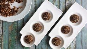 Estas bolas de energía son un bocadillo rápido y una forma nutritiva para satisfacer a los golosos.
