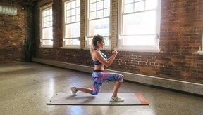 El ejercicio favorito de Emily Skye para lograr mejores nalgas son las estocadas.