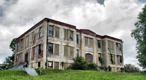15 Abandoned Places in West Virginia That'll Give You Goosebumps