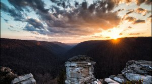 These 15 Epic Hiking Spots in West Virginia Are Jaw Droppingly Awesome