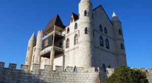 Most People Don't Know These Hidden Castles Are Right Here In Texas