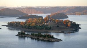 These 11 Gorgeous Lakes In Kentucky Are Demanding Your Attention This Summer