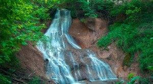 5 Waterfalls In Nebraska That Will Absolutely Take Your Breath Away