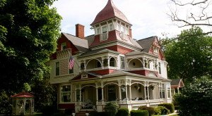 You'll Want To Visit These 16 Michigan Houses When You Know Their Incredible Past