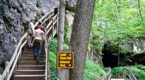 7 Epic Hiking Spots You'll Only Find In Iowa